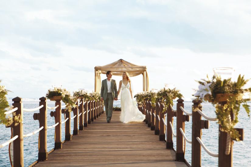 SHM_Wedding_Couple_Jetty_RGB
